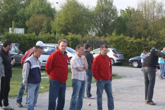 Laurent Amasse et son équipe (Aller voir lauranpetanque.e-monsite.com)